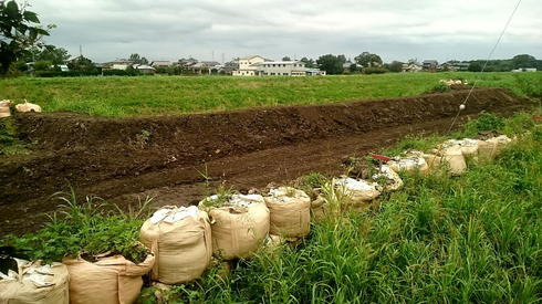 川崎排水機場前 堤防改修工事